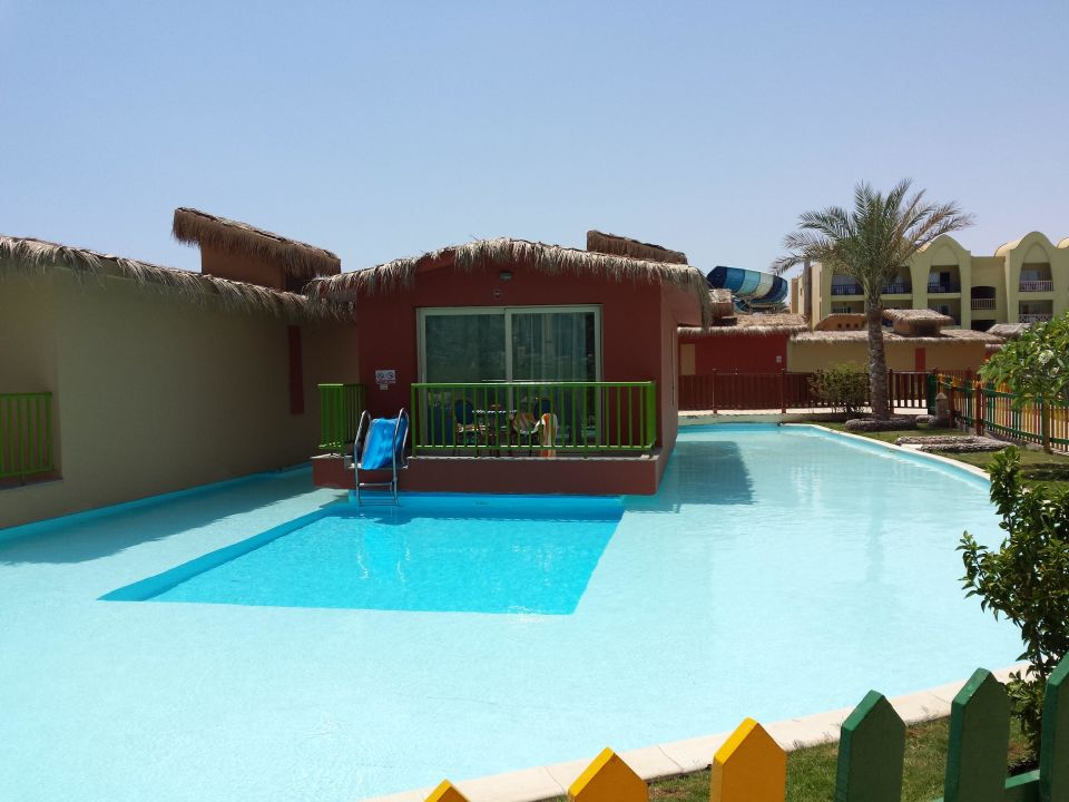 bungalow mit eigenem pool hotel titanic palace hurghada holidaycheck hurghada safaga. Black Bedroom Furniture Sets. Home Design Ideas