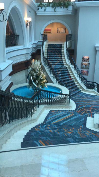 Lobby Hotel Mövenpick Bur Dubai