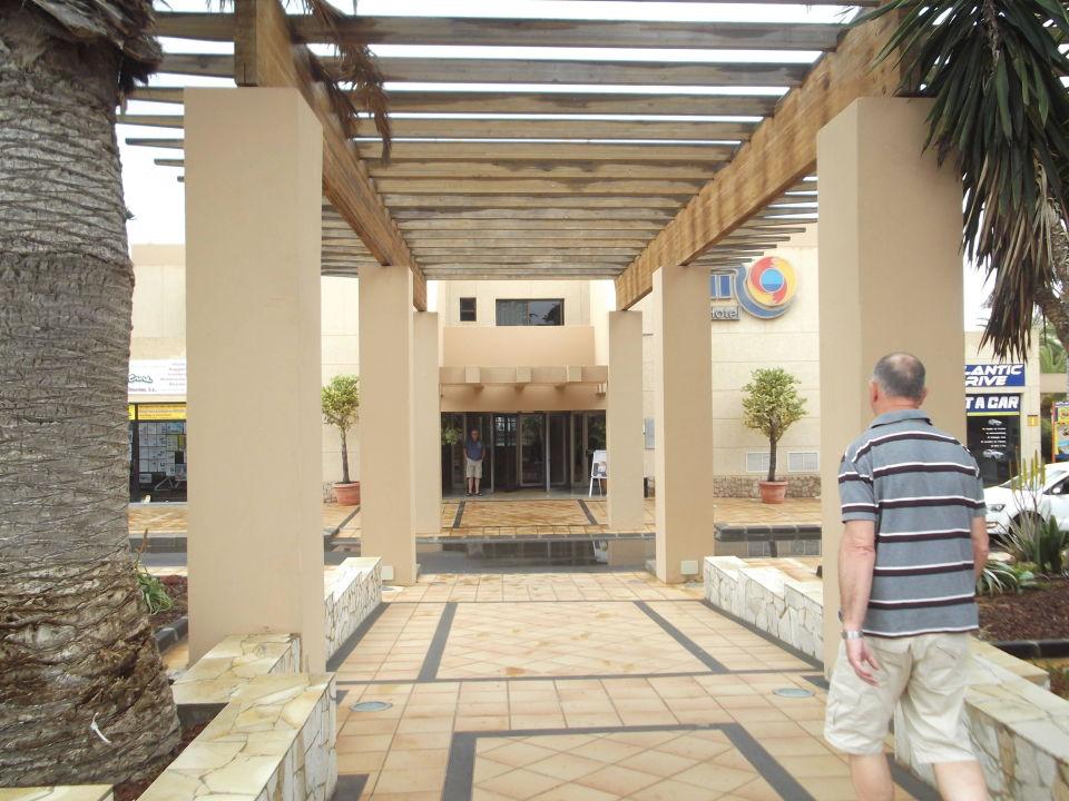 Hoteleingang SBH Hotel Taro Beach