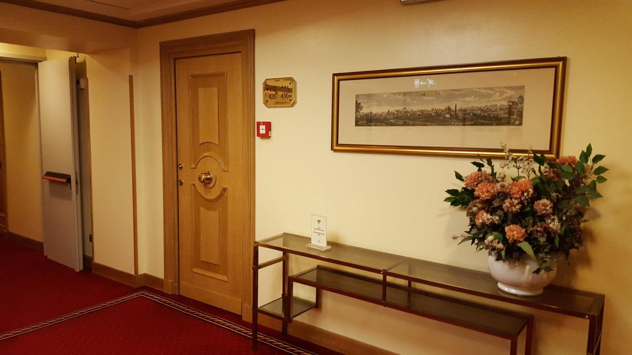 Flur Marcella Royal Hotel