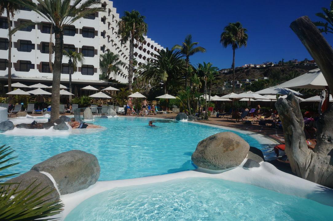Poollandschaft vom IFA-Beach-Hotel in San Agustín  Hapimag San Agustín