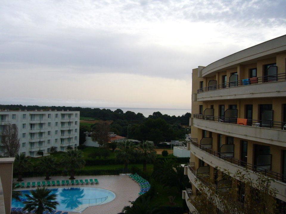 Seitlicher Meerblick Zimmer 2415 allsun Hotel Orient Beach