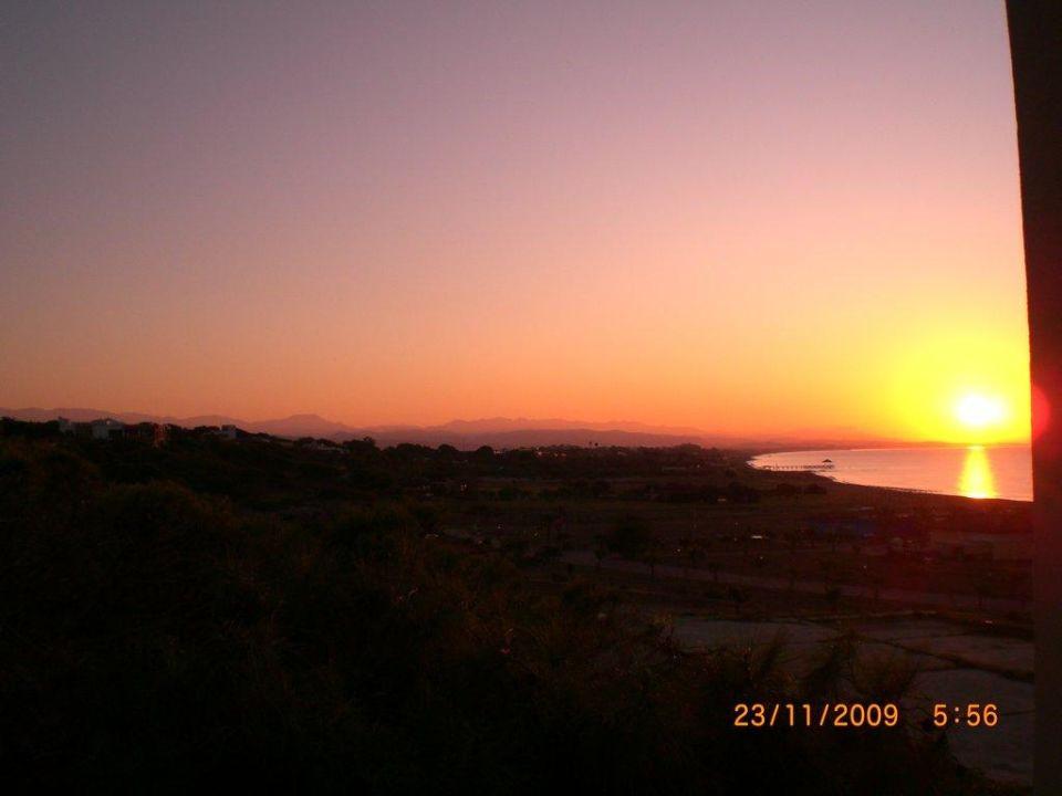 Sonnenaufgang vom Zimmer Arcanus Side Resort