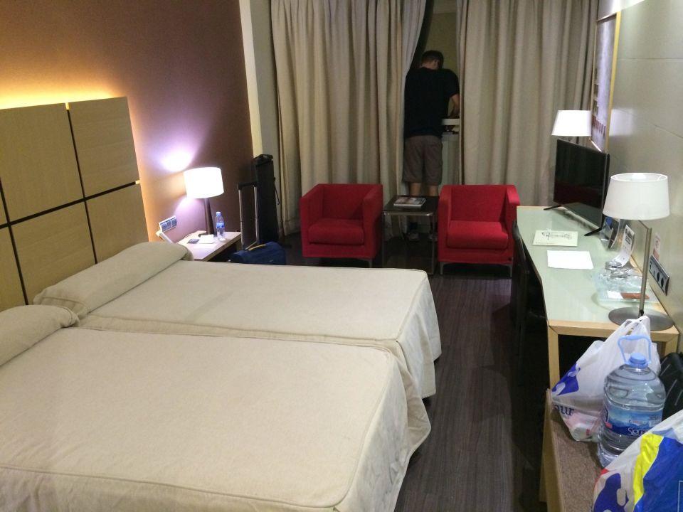 Bett hotel silken puerta de valencia valencia holidaycheck valencia spanien - Silken puerta de valencia ...
