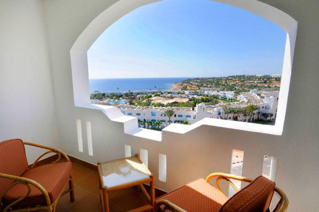 Terrace / balcony Domina Oasis Hotel & Resort