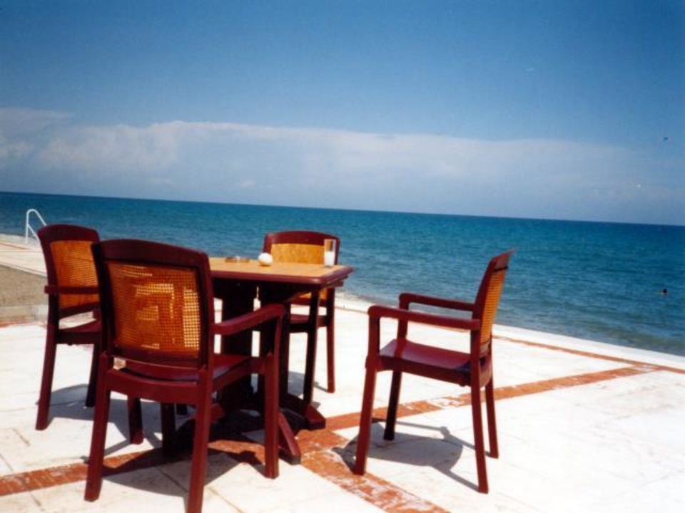 der letzte Raki am Meer Hotel Mirada del Mar