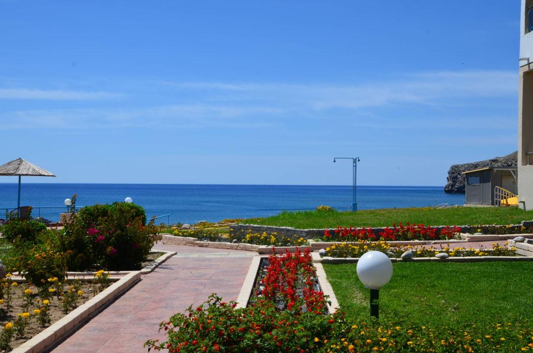 Lutania Beach Hotel Bewertung