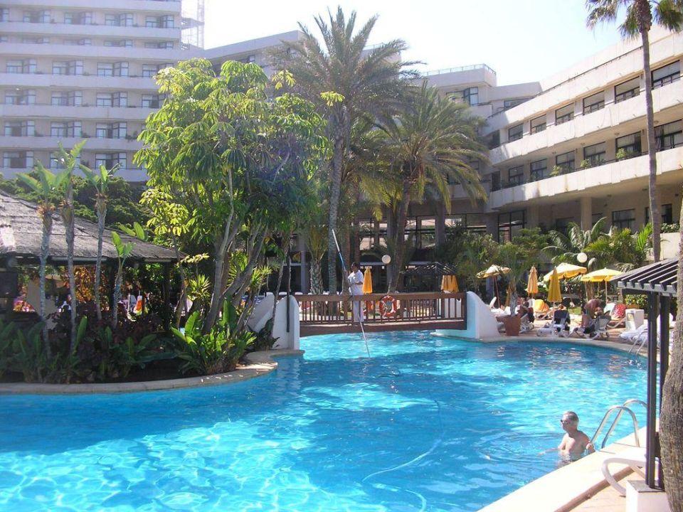 Poolanlage Hotel H10 Conquistador