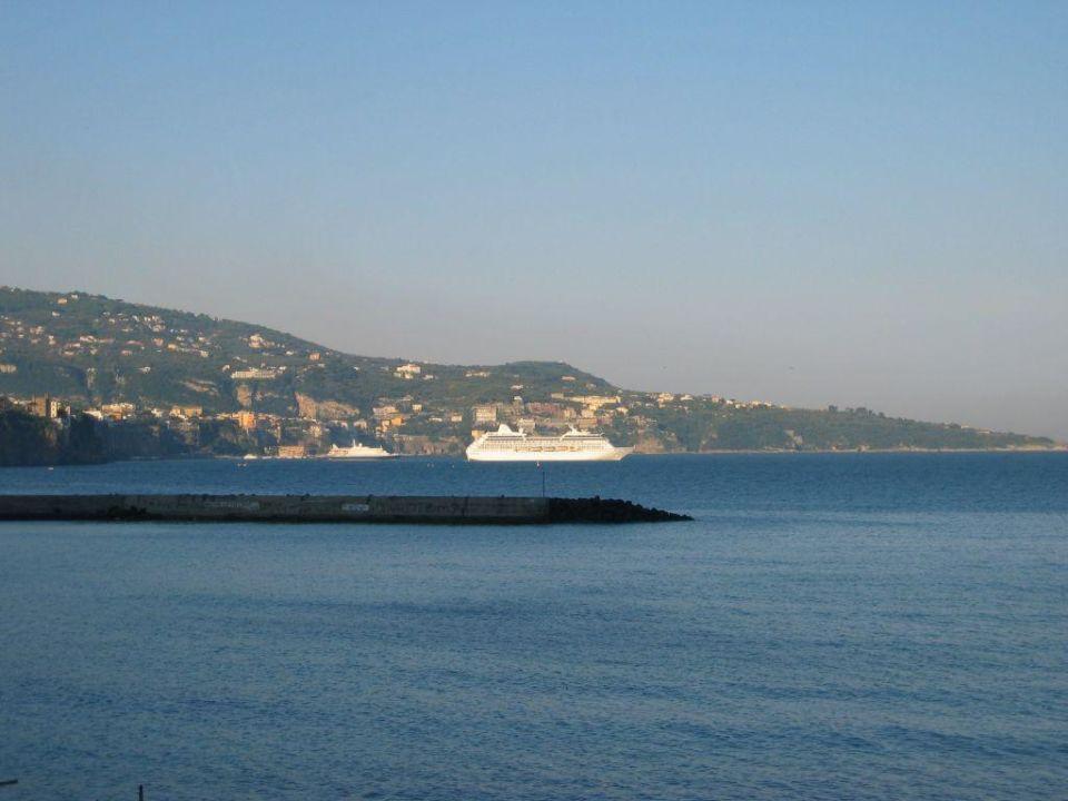Blick nach Sorrent Mar Hotel Alimuri Spa