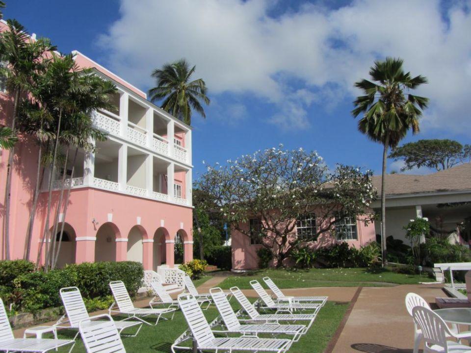 Blick vom (Privat-)Strand auf das Hotel Hotel Southern Palms Beach Club