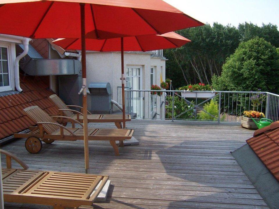 """Der """"Hinterhof"""" Hotel Am Strand"""