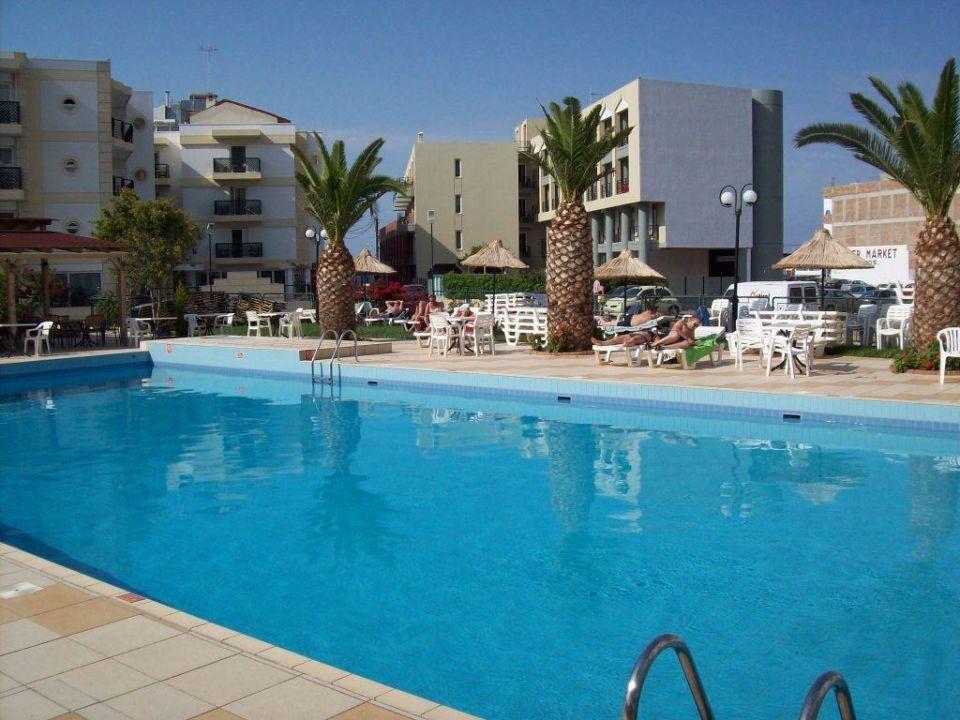 Poolbereich Hotel Heronissos Park