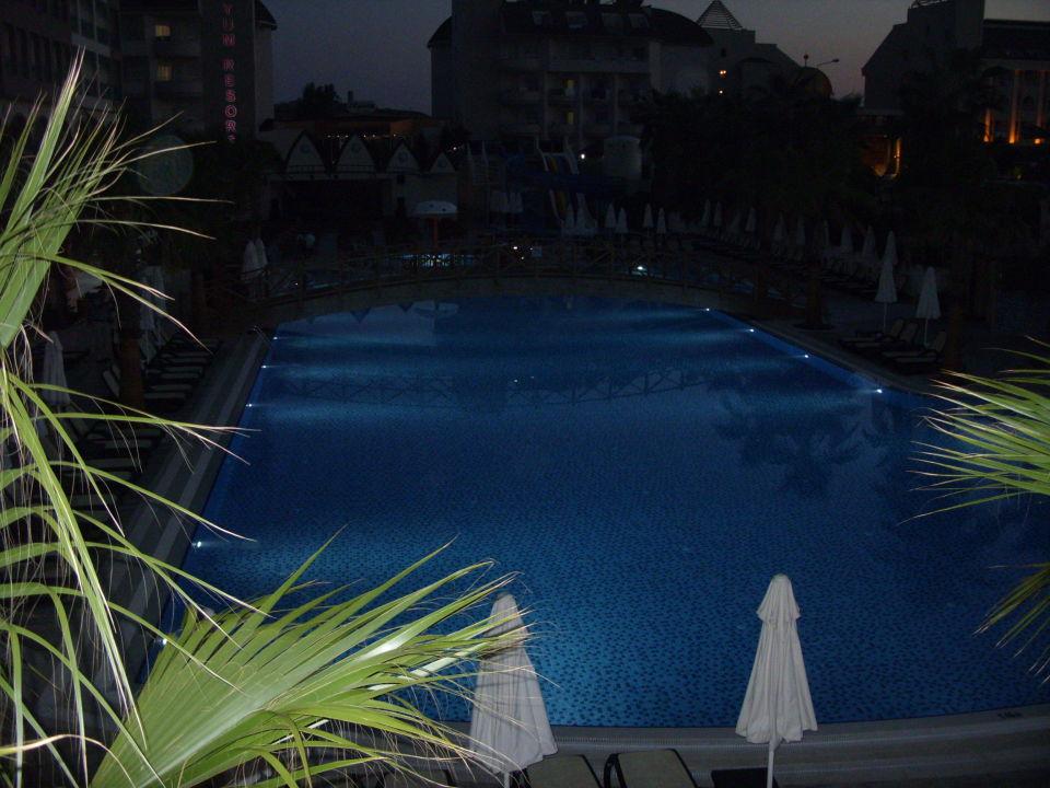 Pool Crown Palace Hotel