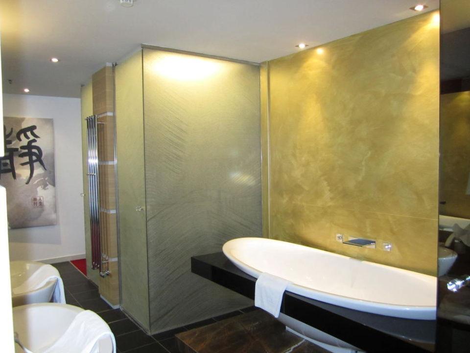 Badewanne in der Junior Suite Linsberg Asia Hotel & Spa