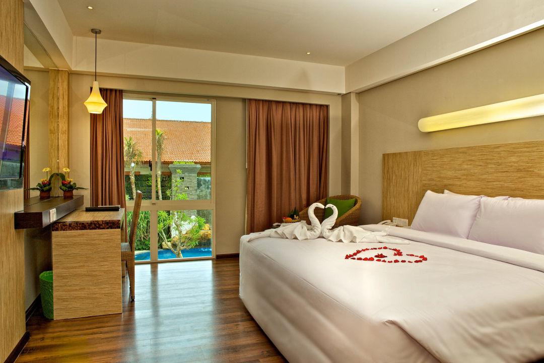 Deluxe room bintang kuta hotel in kuta tuban for Design hotel bintang 3