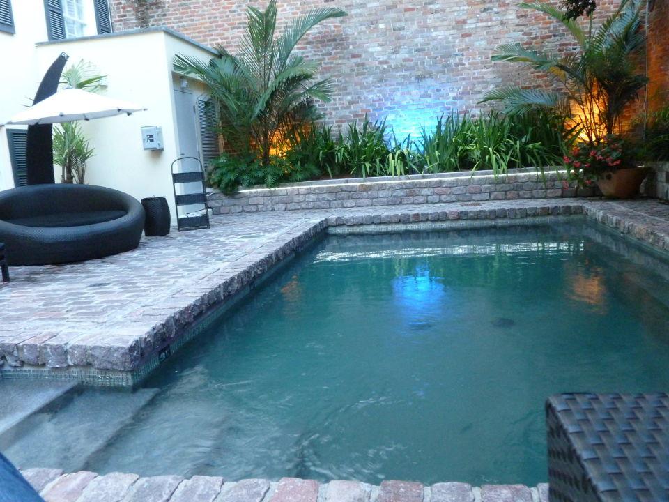 Pool aus naturstein hotel le marais new orleans - Naturstein pool ...
