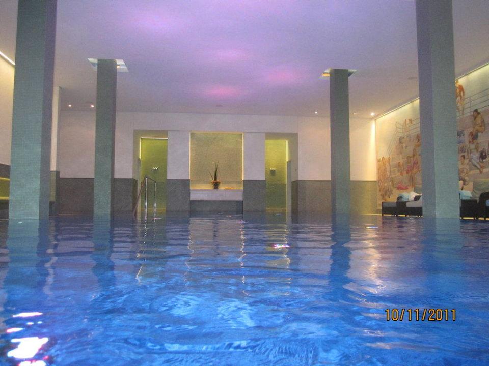 Pool\