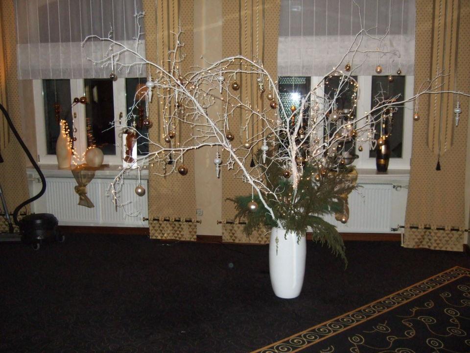 bild tischdeko silvester 2011 zu wellness hotel. Black Bedroom Furniture Sets. Home Design Ideas