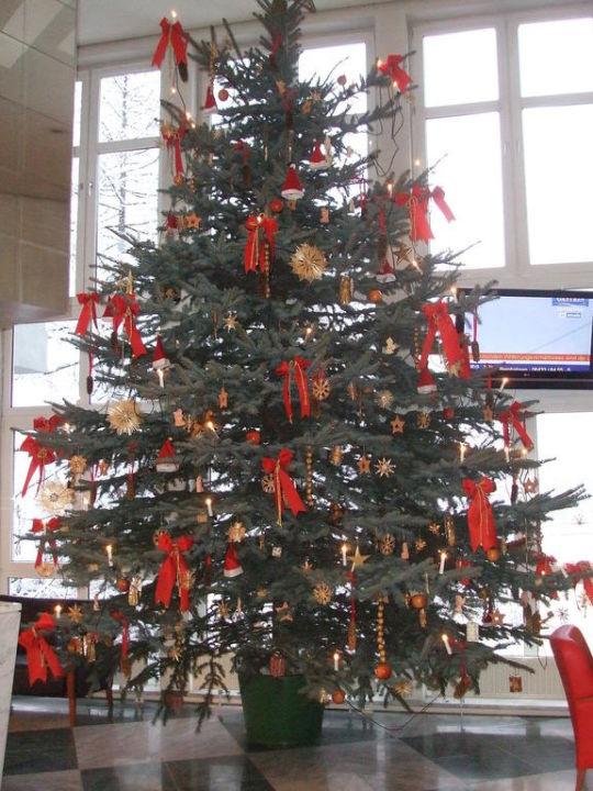 österreich Weihnachtsbaum.Weihnachtsbaum In Der Lobby Vom Mondi Bellevu Mondi Holiday First