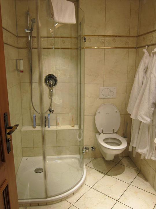 Das schicke badezimmer hotel heinzler am see in for Schicke badezimmer