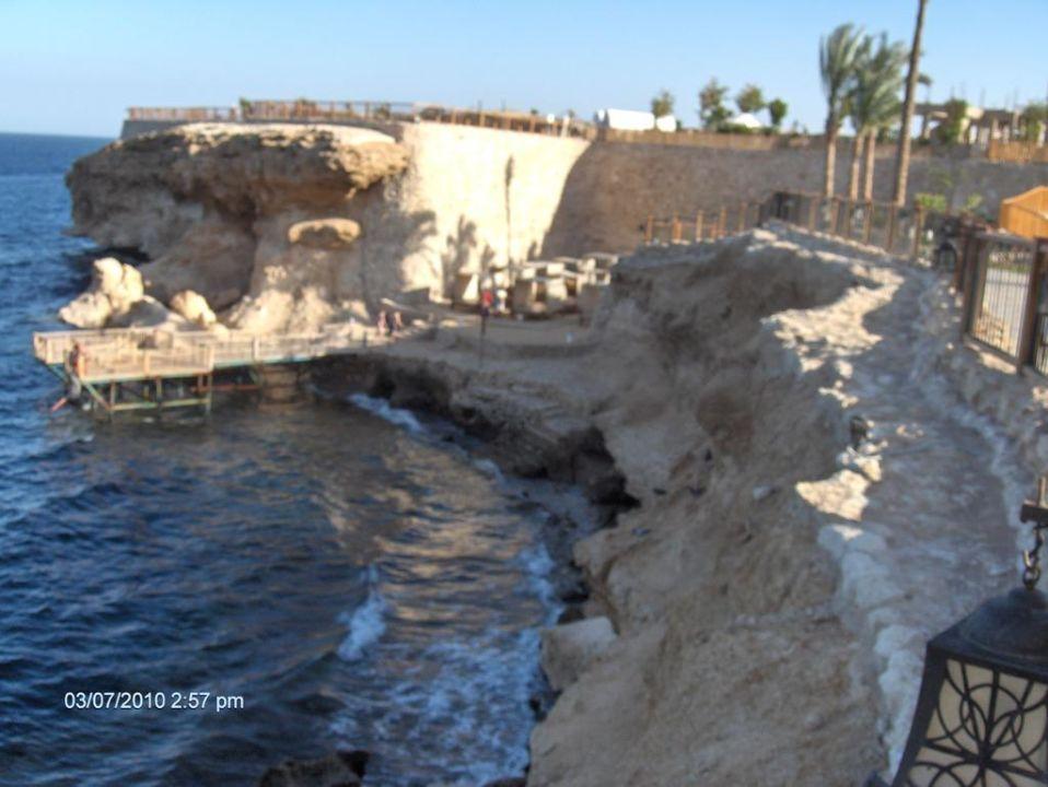 2. Zugang zum Meer mit Sonnenliegen The Grand Hotel Sharm El Sheikh