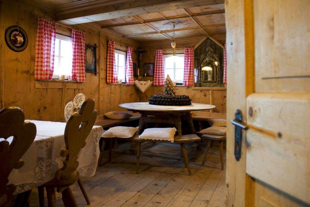 Alte bauernstube piccolo hotel gurschler senales for Bauernstube modern einrichten