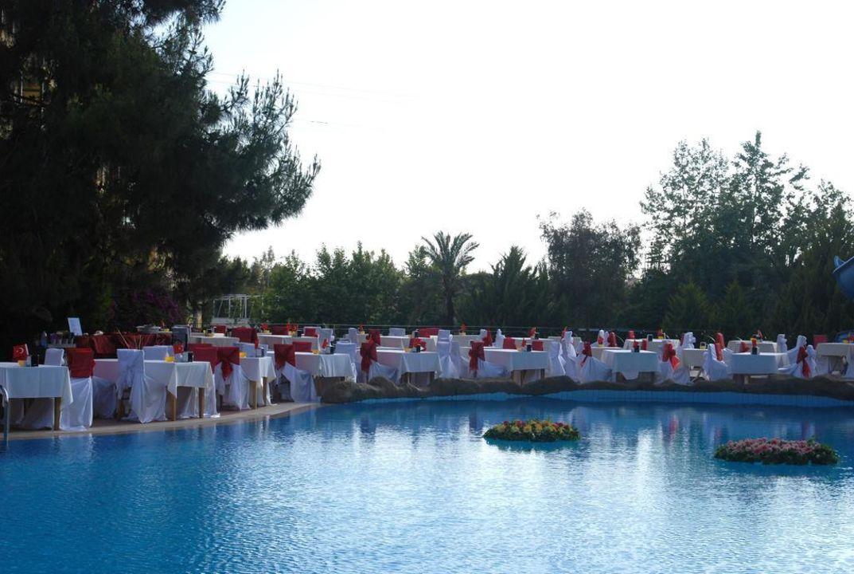 Galaabend am Pool Dosi Hotel