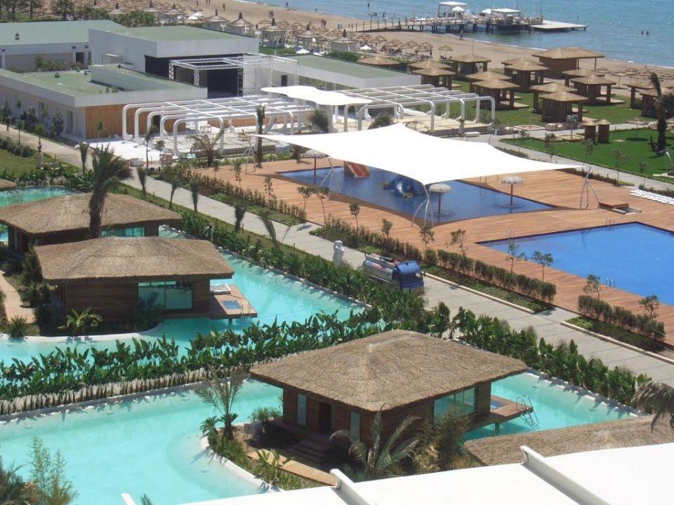 Kinderpool und stylisches Amphitheater Maxx Royal Belek Golf Resort
