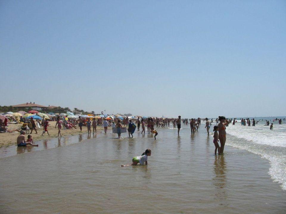 Der Strand bei Tag, zu Nicht-Essenszeiten TUI FAMILY LIFE Islantilla