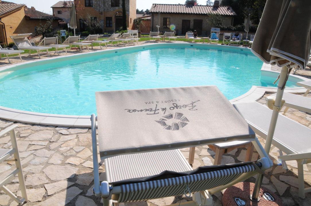 Piscina esterna Hotel Borgo La Fornace