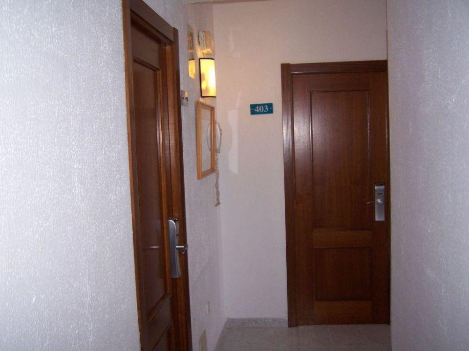 Flur zu den Zimmern Hotel Bellamar / Bella Mar