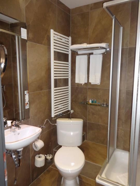 Unser sehr kleines Bad in Gäste WC Größe\
