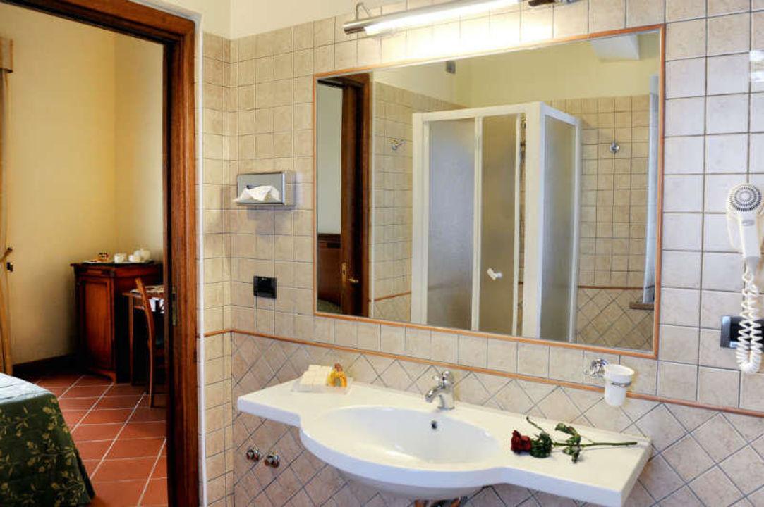 bild badezimmer zu hotel popilia country resort in napitia