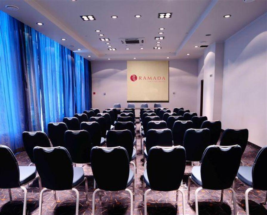 Конференц-зал Hotel Ramada Yekaterinburg
