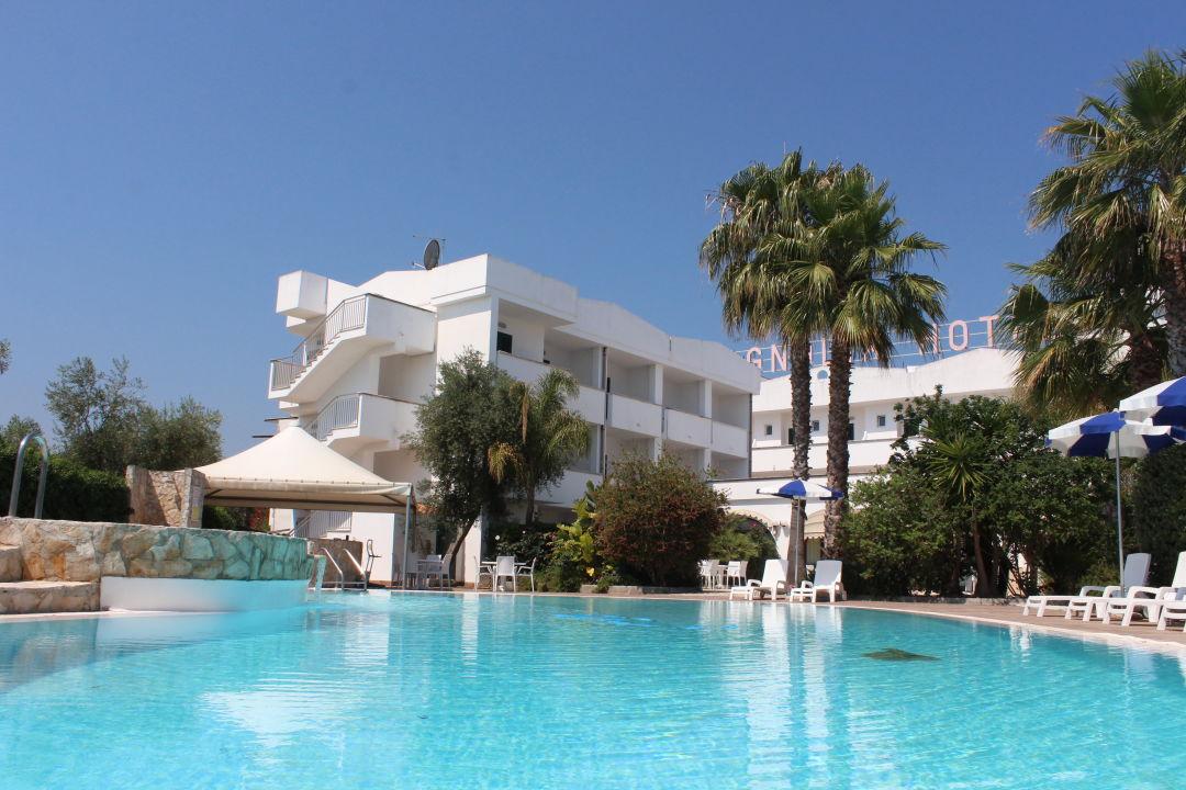 Pool Hotel Magnolia