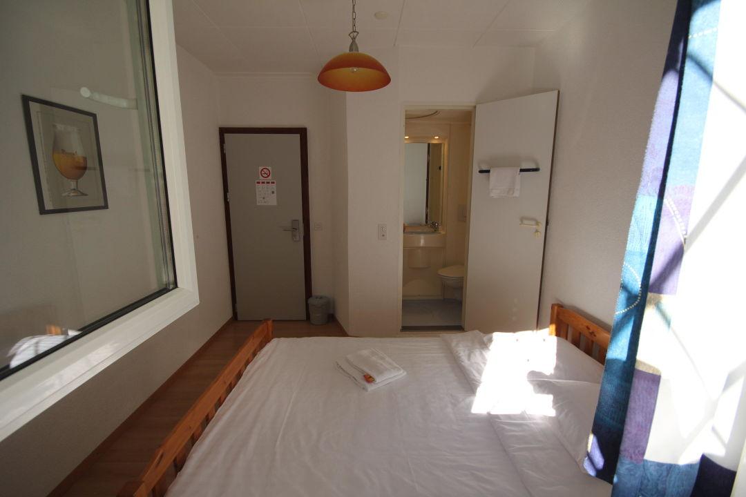 Chambre single/double 1 er étage\