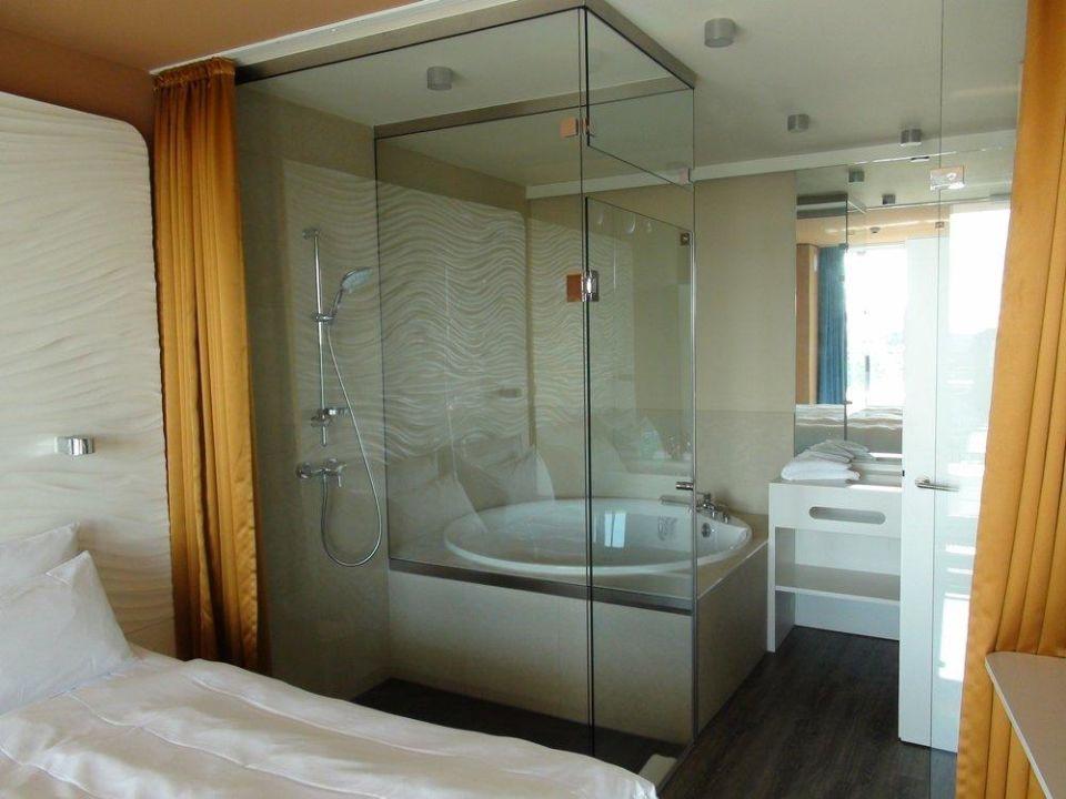Bett und bad in suite 1010 a ja warnem nde das resort for Aja resort warnemunde suite