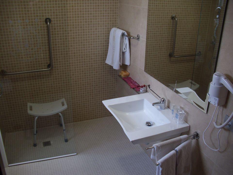 Baño discapacitados Hotel Santa Cecilia