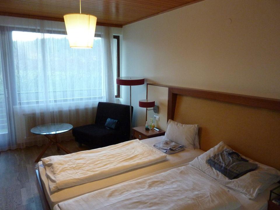 bild vor dem hotel zu boutique hotel erla in stubenberg am see. Black Bedroom Furniture Sets. Home Design Ideas