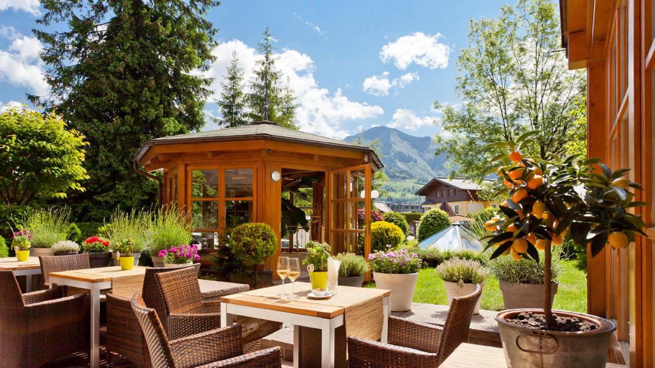 Garten - Außenansicht Hotel Tirolerhof