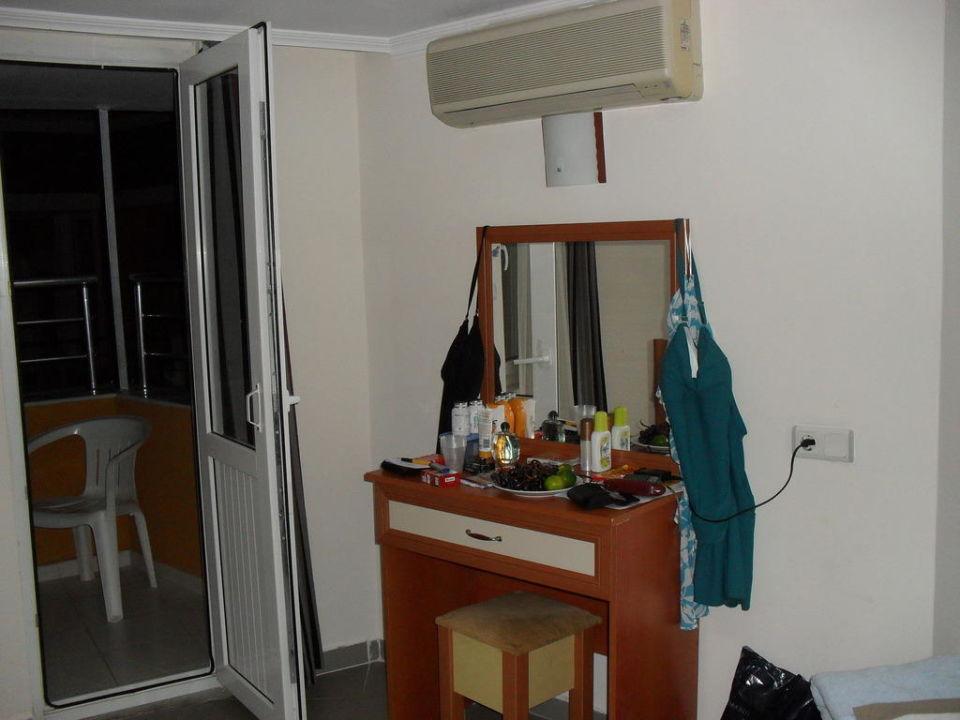 Frisierkommode Hotel Inova Beach