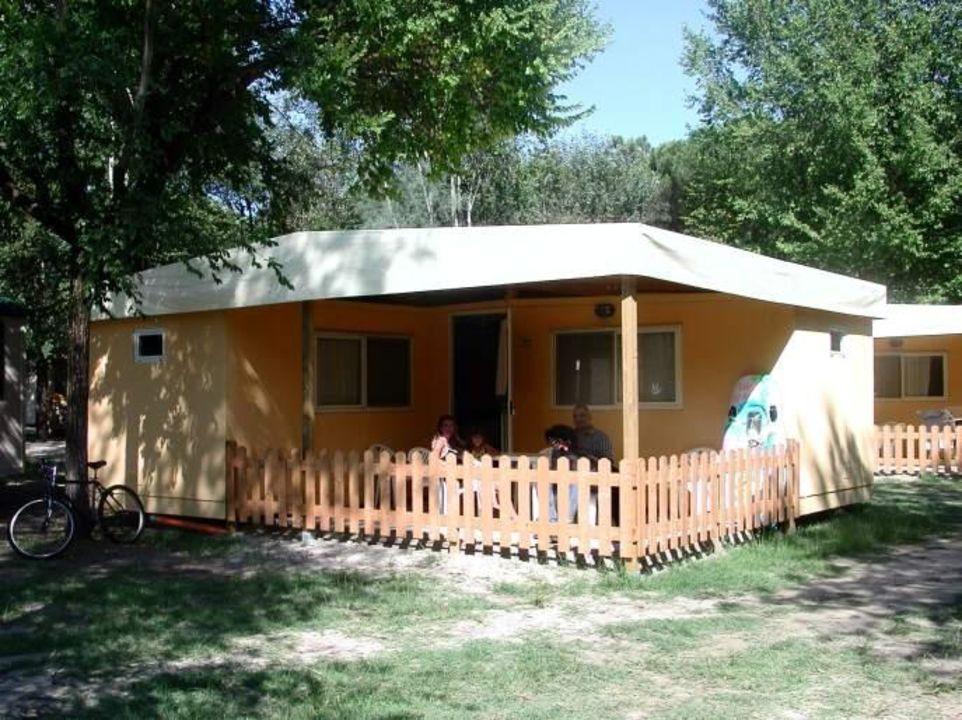 Maxicaravan im Bungalow Park Camping Spina Camping & Bungalows Spina Villaggio