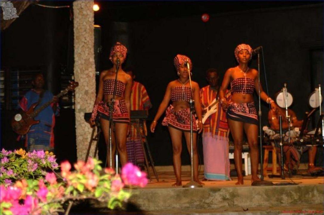 Kenianische Gruppe - Kenia Kaskazi Beach Hotel