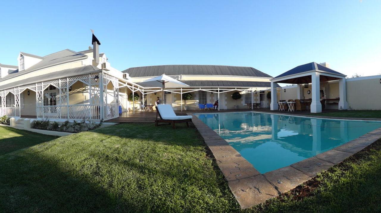 """haupthaus, anbau, feuerstelle und pool"""" klipheuwel country house, Gartengerate ideen"""