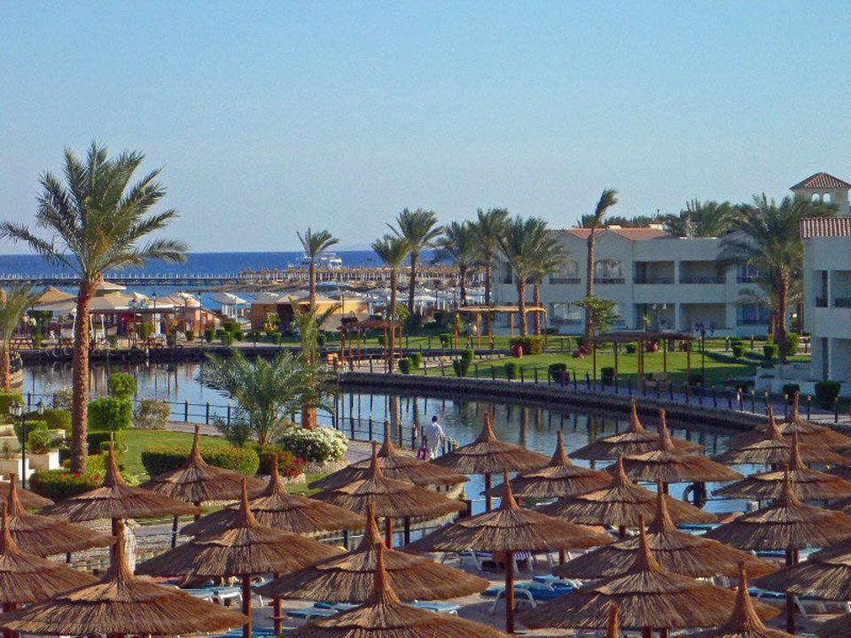 Blick zum Strand Dana Beach Resort