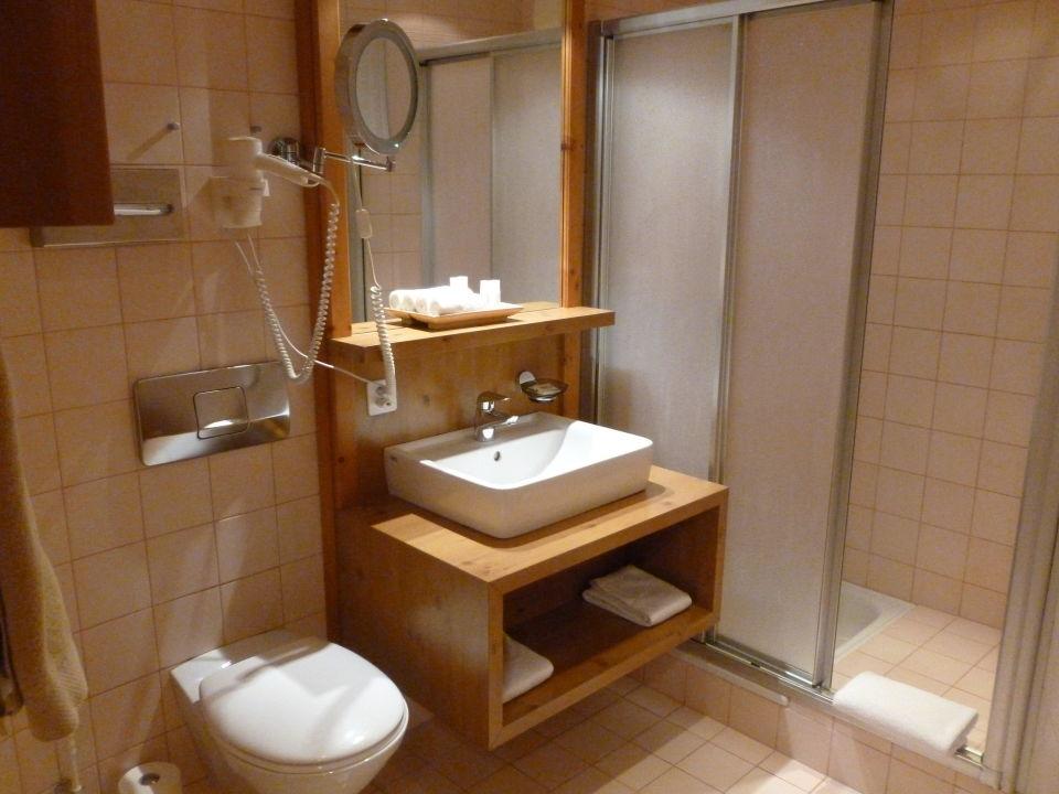 badezimmer stammerspitze silvretta hotel spa samnaun. Black Bedroom Furniture Sets. Home Design Ideas