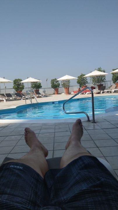 Pool Hotel Towers Rotana