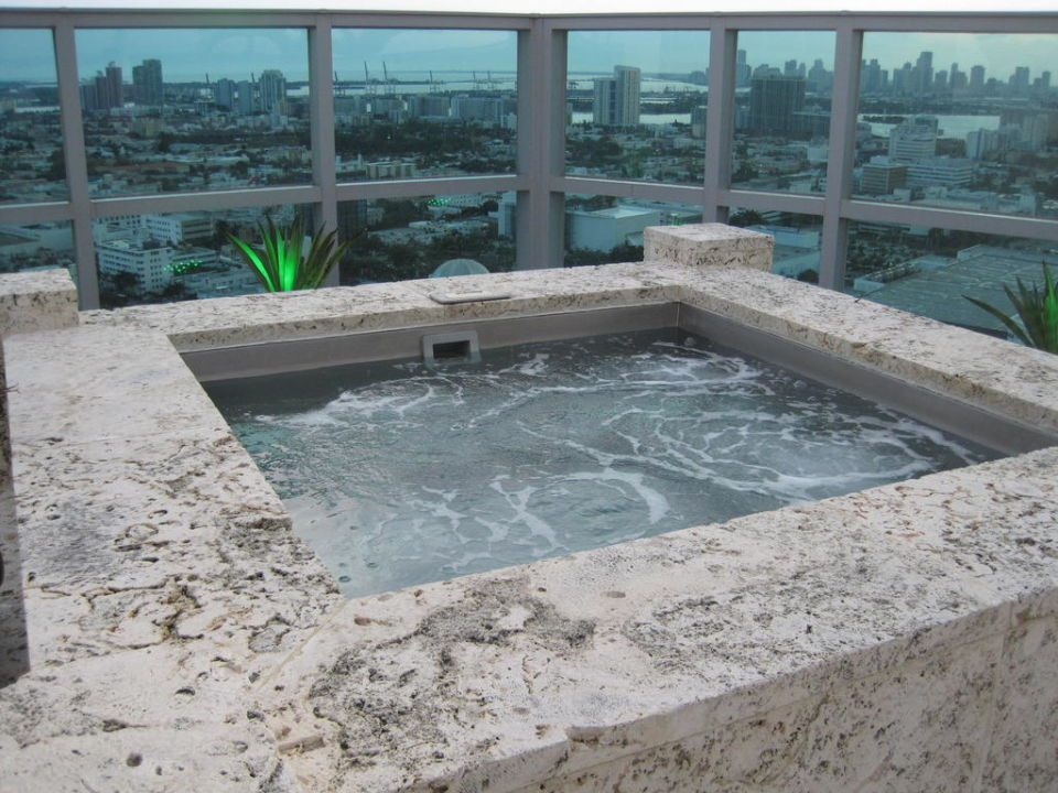 Jacuzzi in der Penthouse Suite Hotel The Setai