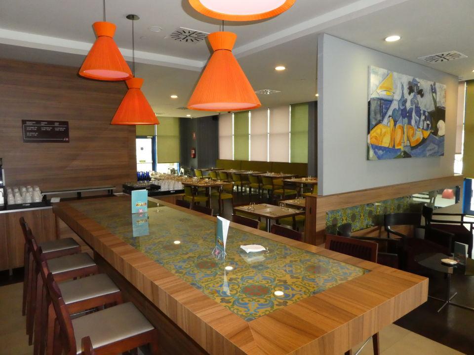 Restaurant Hilton Garden Inn Sevilla