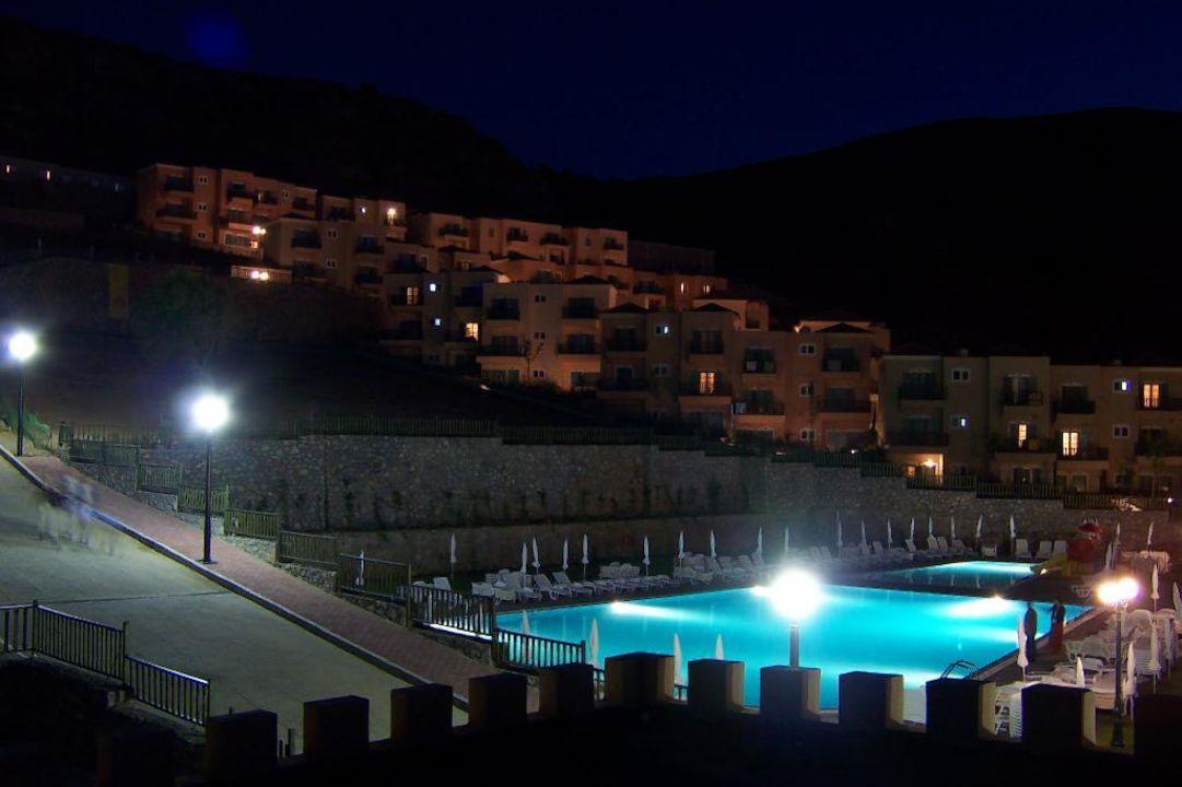 Meltemi Village bei Nacht smartline Village Resort & Waterpark